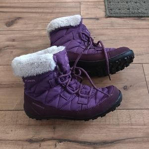 Girls size 3 Columbia snow boots